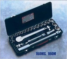 TONE บ๊อกชุด SOCKET WRENCH SET