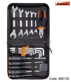 680130 Tool Kit 21 pieces in  zip fastenner case