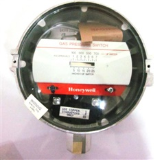 Honeywell C437H Pressure Switch