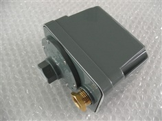SANWA DENKI Vacuum Switch SVS-5A-B, ON/-1.2kPa, OFF/-0.7kPa, Rc3/8, ZDC2