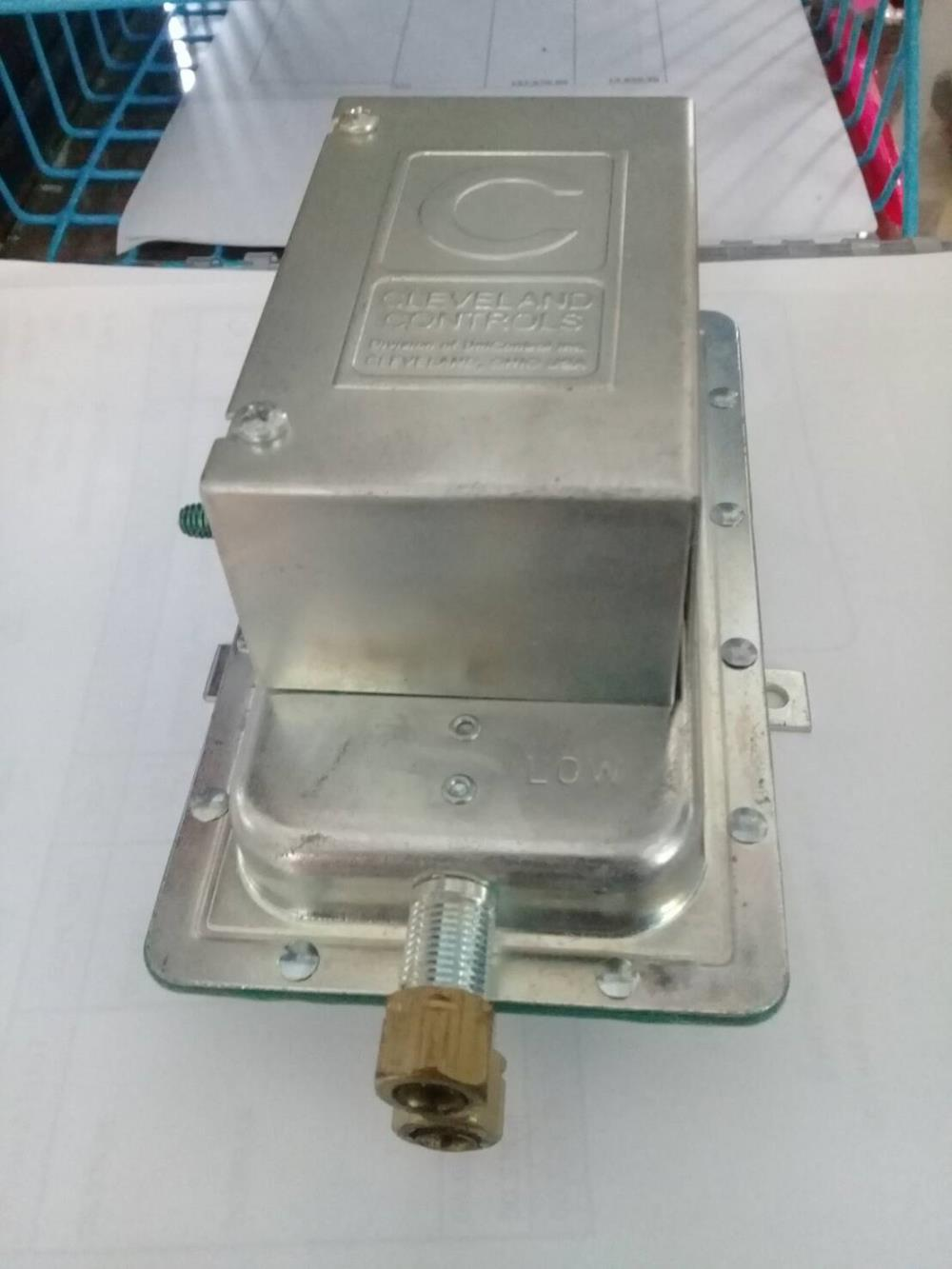 """"""" Cleveland """" Pressure Switch,"""" Cleveland """" Pressure Switch Model : AFS-222,Cleveland,Instruments and Controls/Switches"""